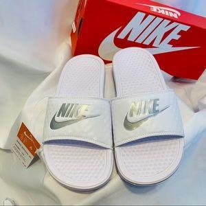 NWT Nike Benassi JDI slide White Size 6 or 7